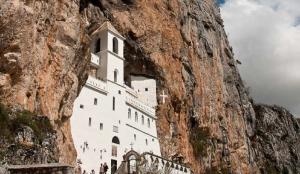 Ostrog-Monastery-Luigi-Torregiani