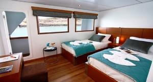 Galapagos-Luxury-Cruise-680x424