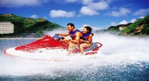 Couple-Jet-Skiing-in-Maldives