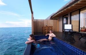 adaaran_prestige_vadoo_japanese_room_plunge_pool