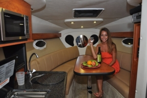 enjoy-sea-party-on-luxary-yatch-for-2-hour-5