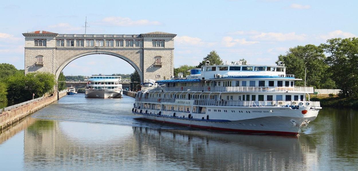 Russian-river-cruises-