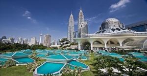 Petronas-Twin-Towers-at-Kuala-Lumpur