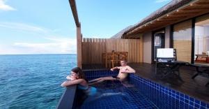 sea side pool