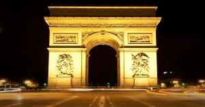 arc_de_triomphe_at_night