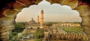 mosque-in-the-bada-imam-bada-lucknow